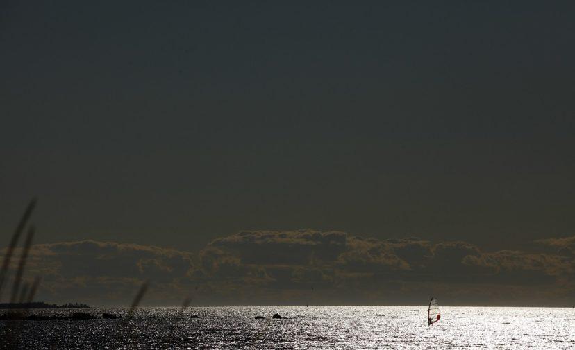 Surffaaja merellä