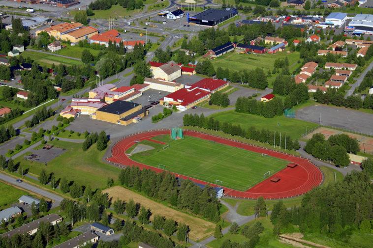 Merenojan koulu ja urheilukenttä