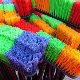 Siivoustalkoilla saadaan paikat siistiksi ja lisätään yhteisöllisyyttä.