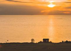 Auringonlasku Kalajoen Hiekkasärkillä.